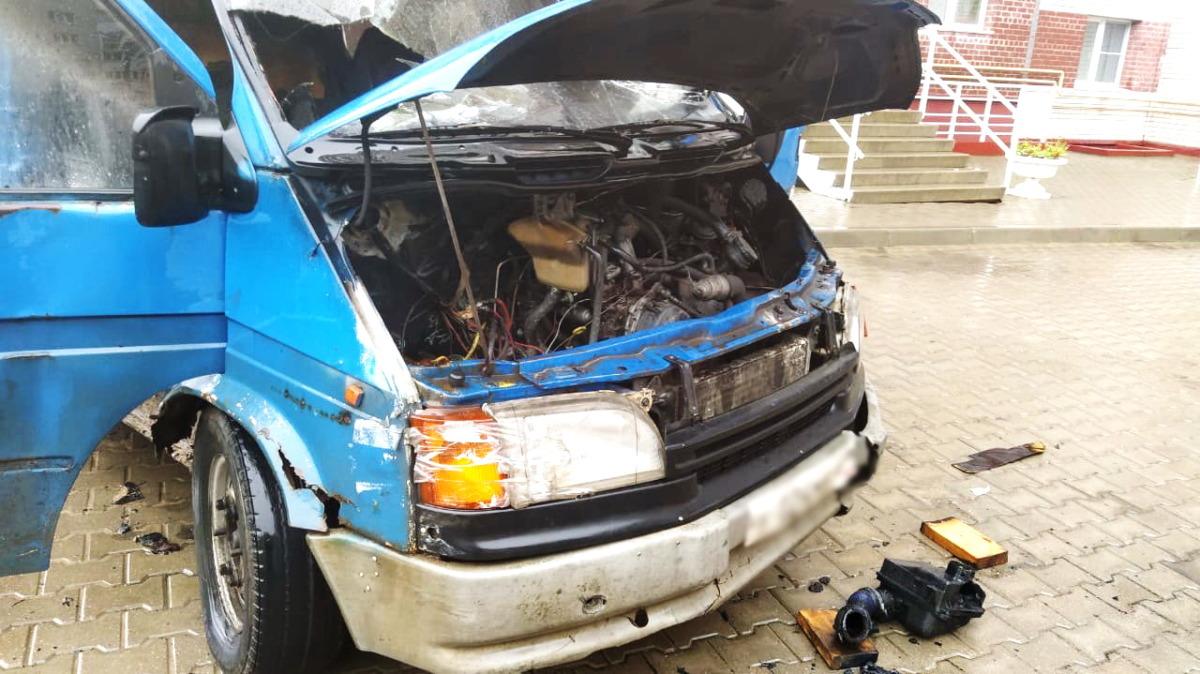 В Смоленске загорелся Ford Transit