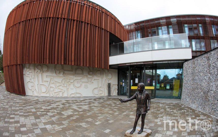 В Британии появился памятник Грете Тунберг в человеческий рост: чем он не угодил студентам