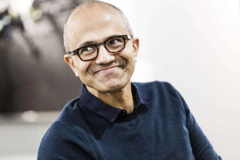 Глава Microsoft Сатья Наделла предупредил об опасности постоянной работы из дома