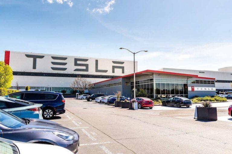 Tesla перестала получать субсидии от правительства