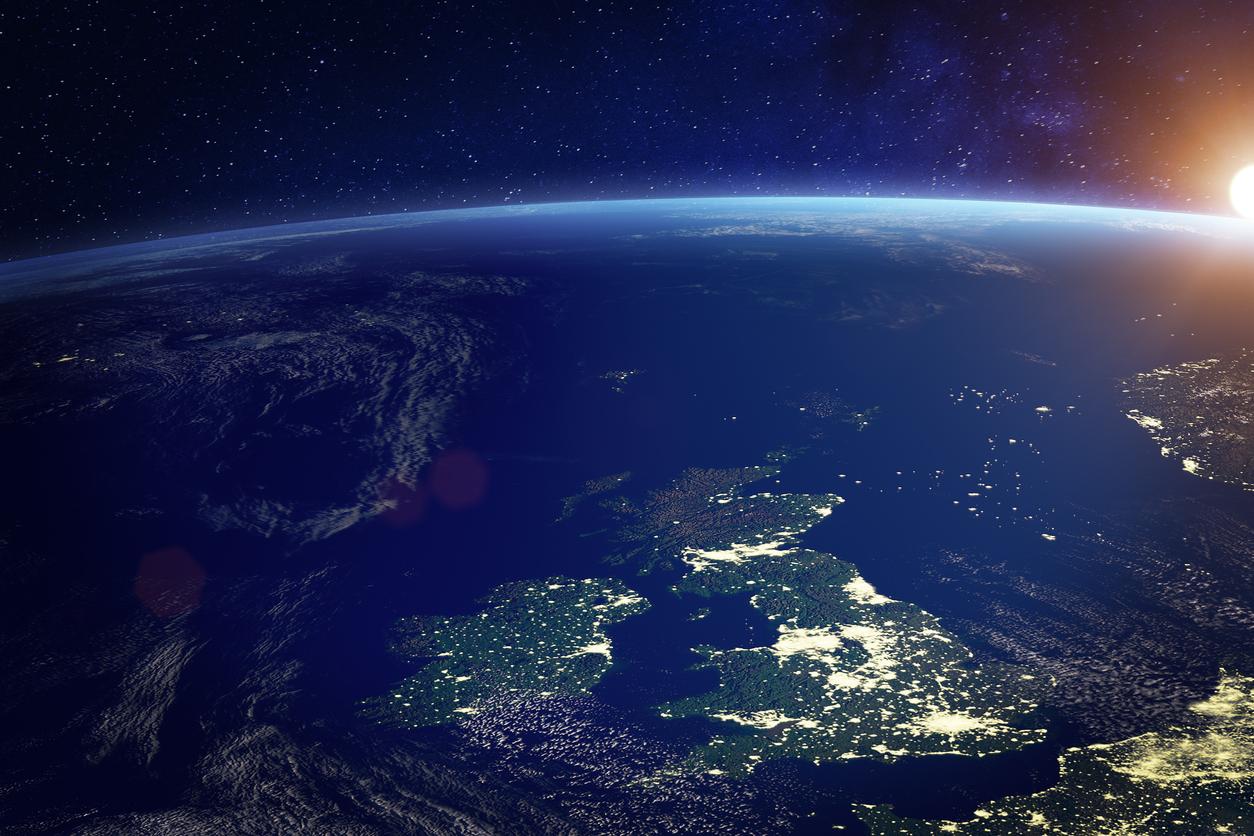 SpaceX заявила о «необычайном спросе» на спутниковый интернет Starlink. Клиентами хотят стать 700 тыс. человек