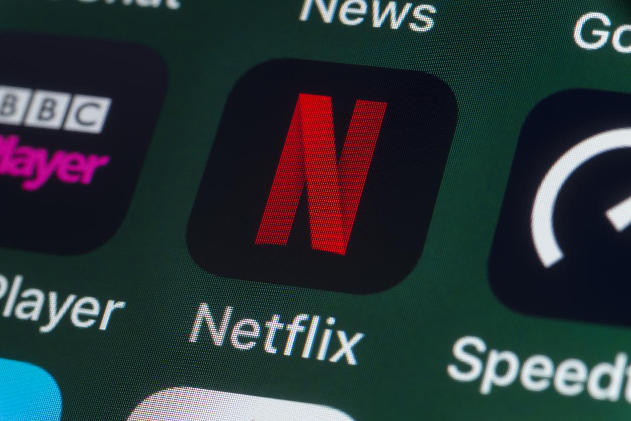 Пользователи начали массово отписываться от Netflix из-за сексуализации девочек в фильме «Милашки»