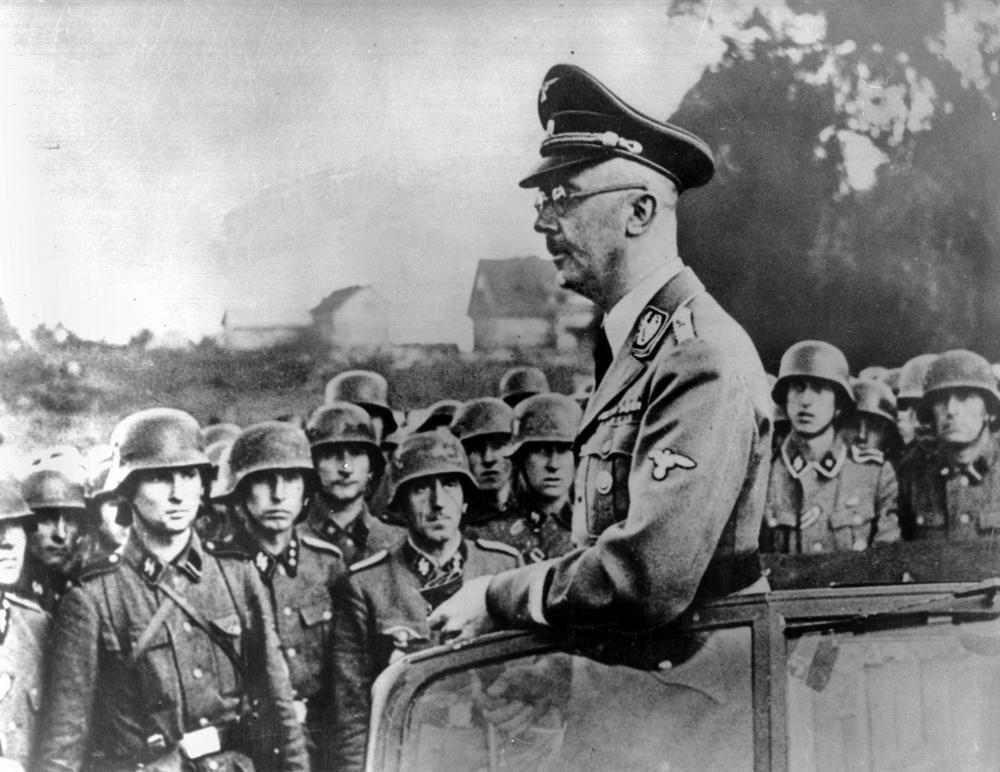 На странице солдата 'Бессмертного полка' появилось фото одного из лидеров Третьего рейха