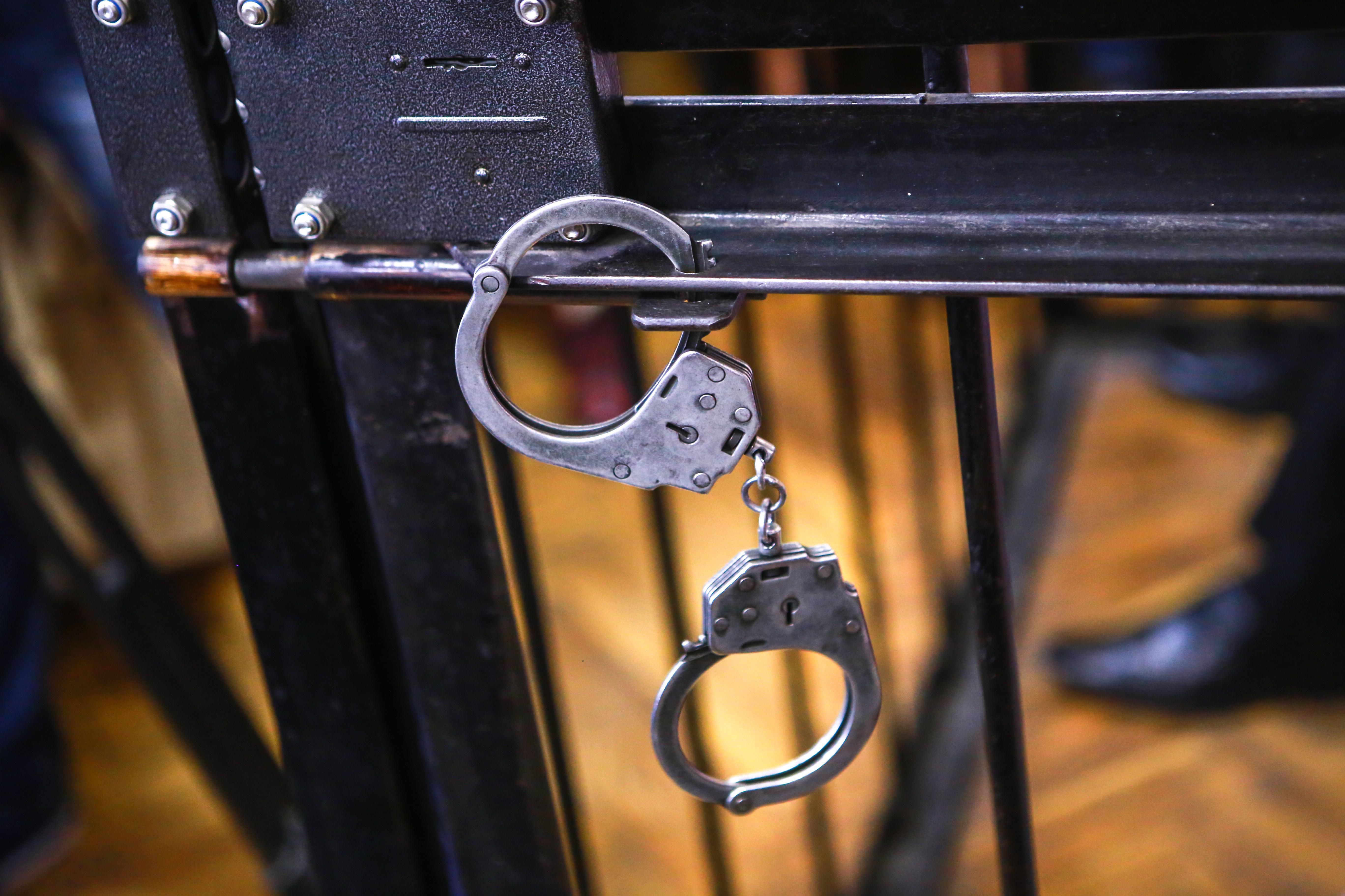 Следователи из Югры нашли подозреваемого в изнасиловании девятилетней давности
