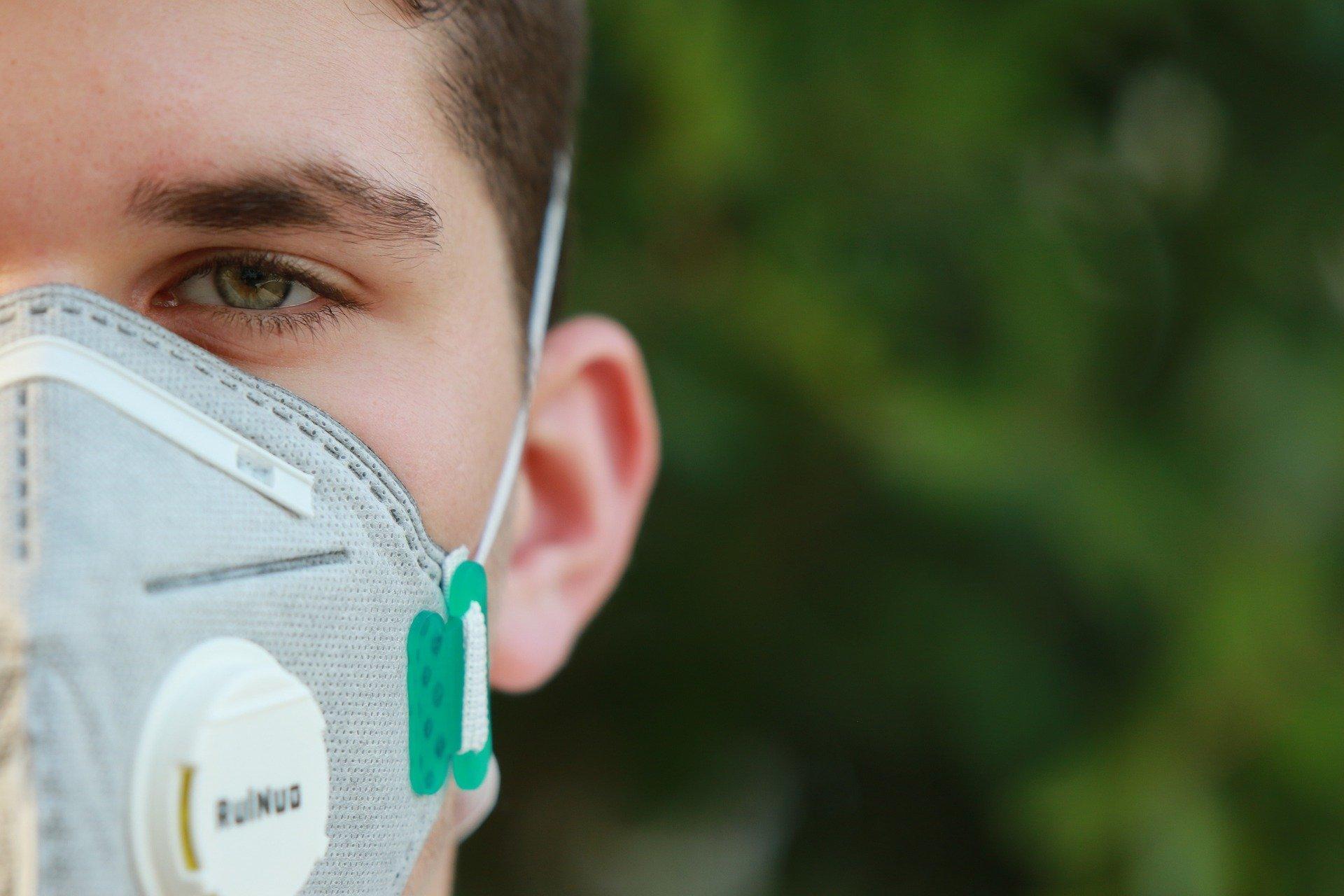 Преподавателей и студентов обяжут носить маски в вузах в новом учебном году