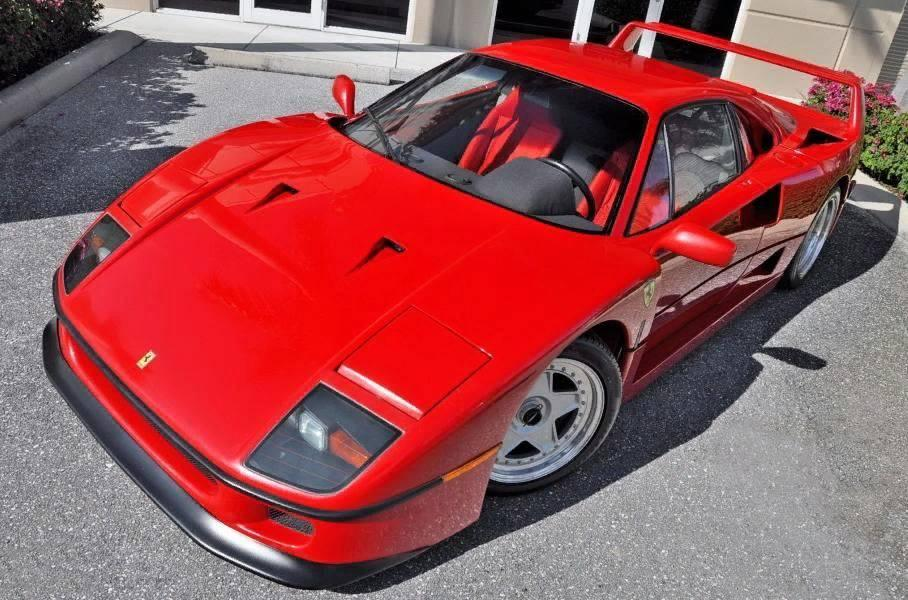 В США выставили на продажу уникальный Ferrari F40, проехавший около 300 км за 28 лет