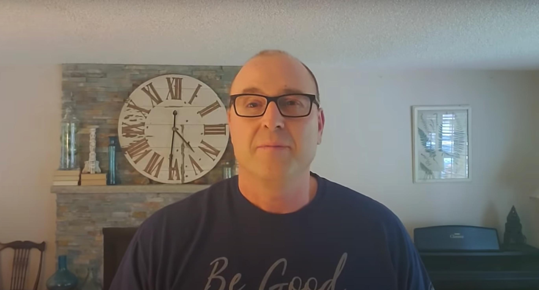 Американец делится отцовской мудростью на YouTube, чтобы помочь тем, кто растёт без папы