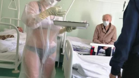 'Она хотела не задницей покрутить, а выжить!' В Ассоциации медсестёр вступились за тульскую коллегу в купальнике
