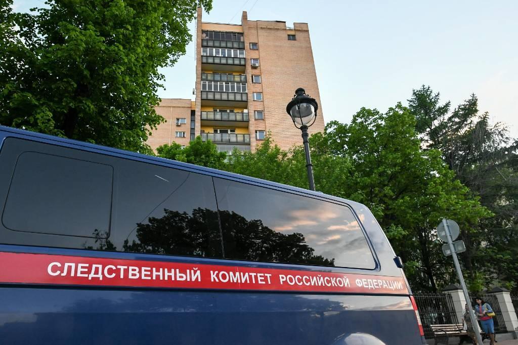 СКР возбудил уголовное дело по факту стрельбы в жилом доме в Москве
