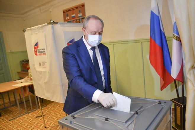 Губернаторы ещё четырёх регионов ПФО проголосовали по поправкам в конституцию