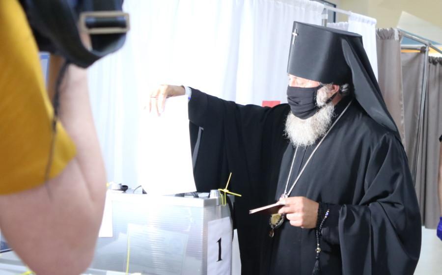 Архиепископ Калининградский и Балтийский принял участие в голосовании по поправкам в конституцию