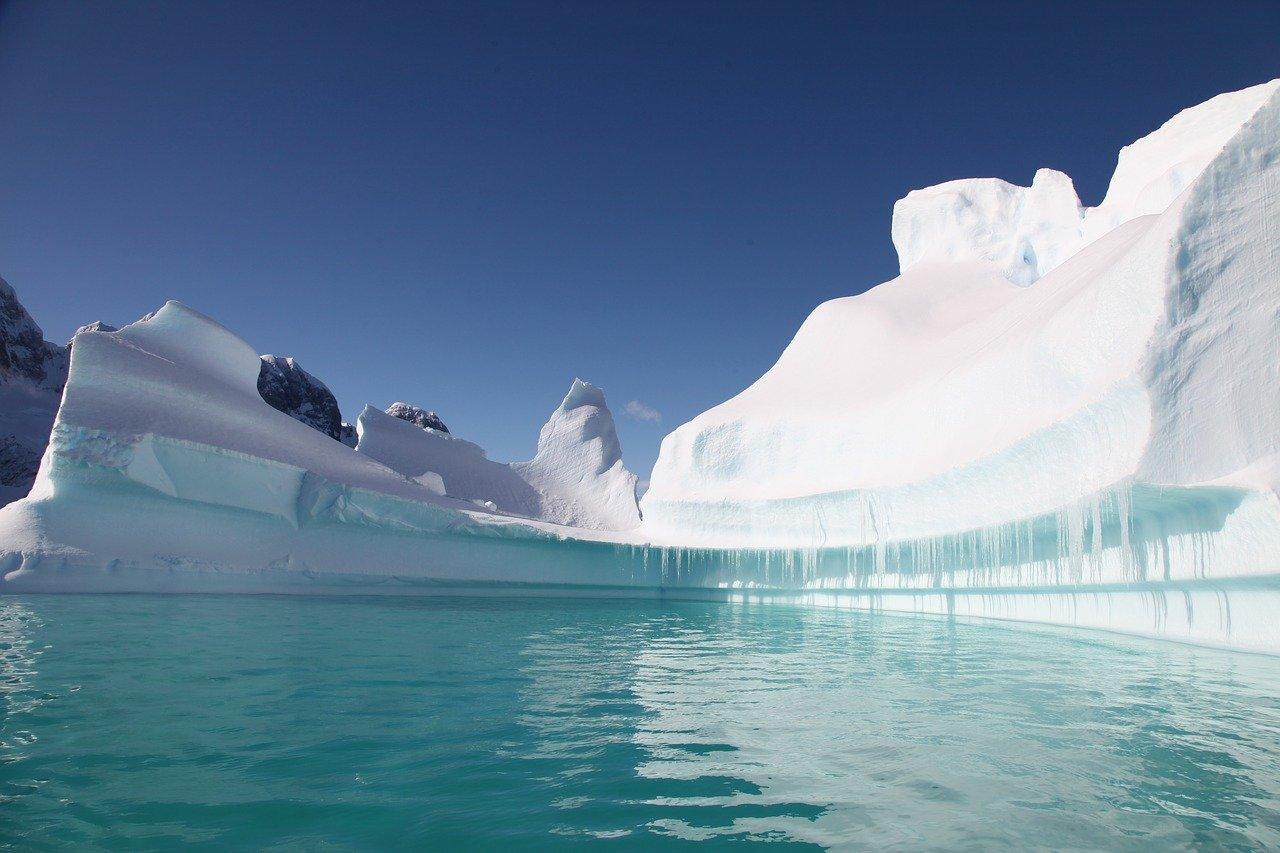 Учёные сообщили о рекордном потеплении на Южном полюсе