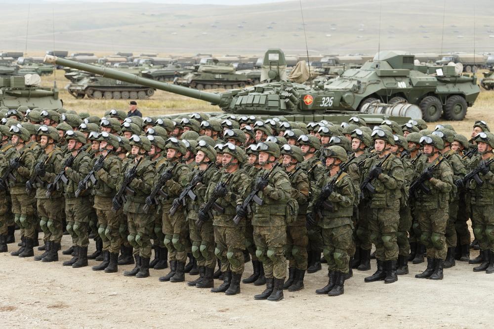 В Госдуме объяснили, зачем Путин подписал указ о военных сборах во время пандемии