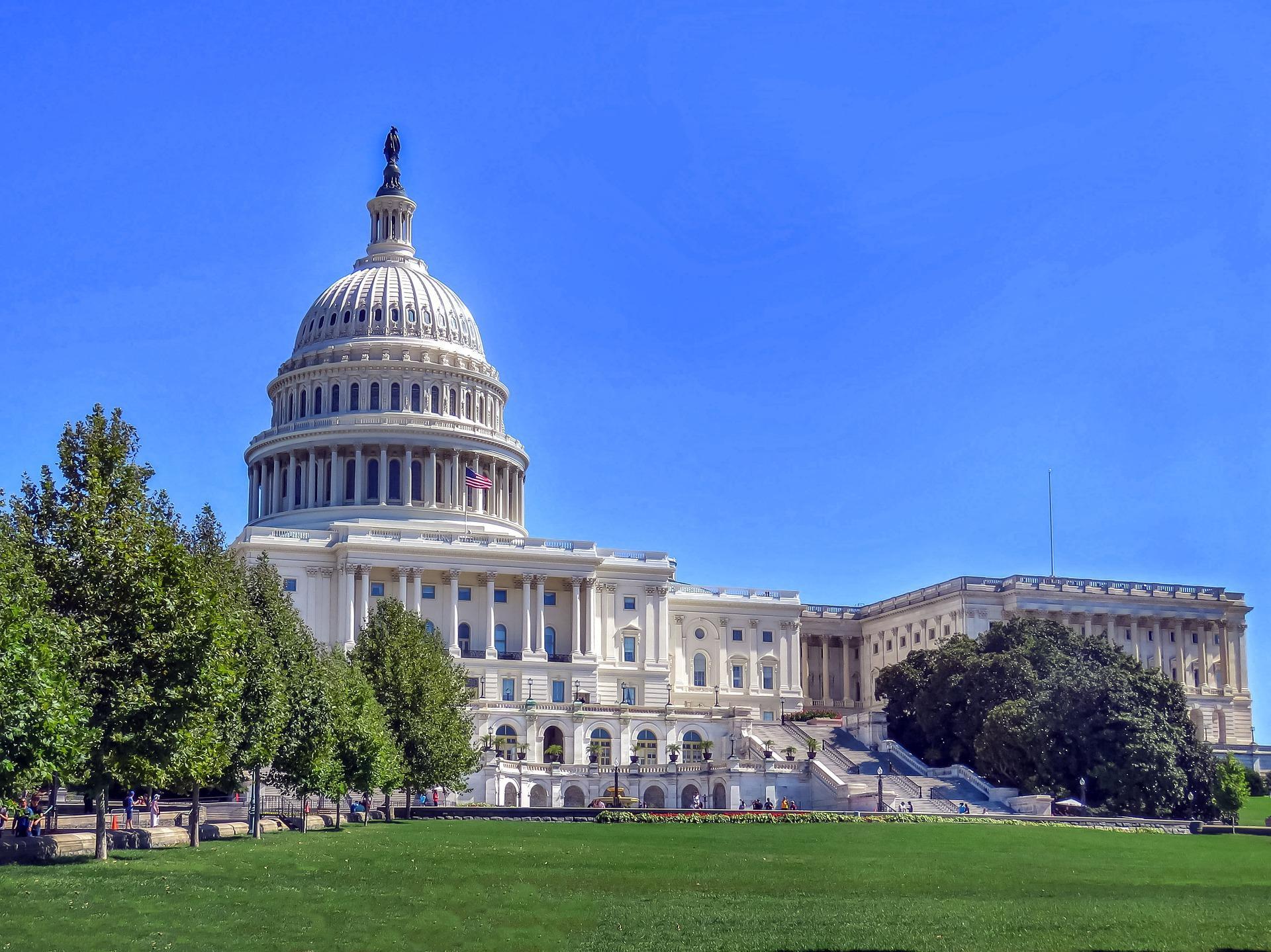 Конгресс США одобрил расширение санкций против 'Северного потока — 2' и 'Турецкого потока'