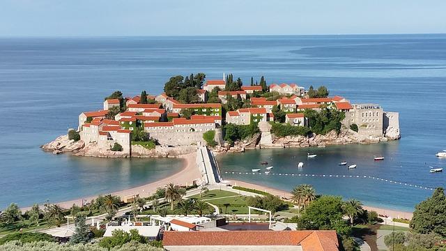 В Черногории пока не принято решение об открытии границы для российских туристов