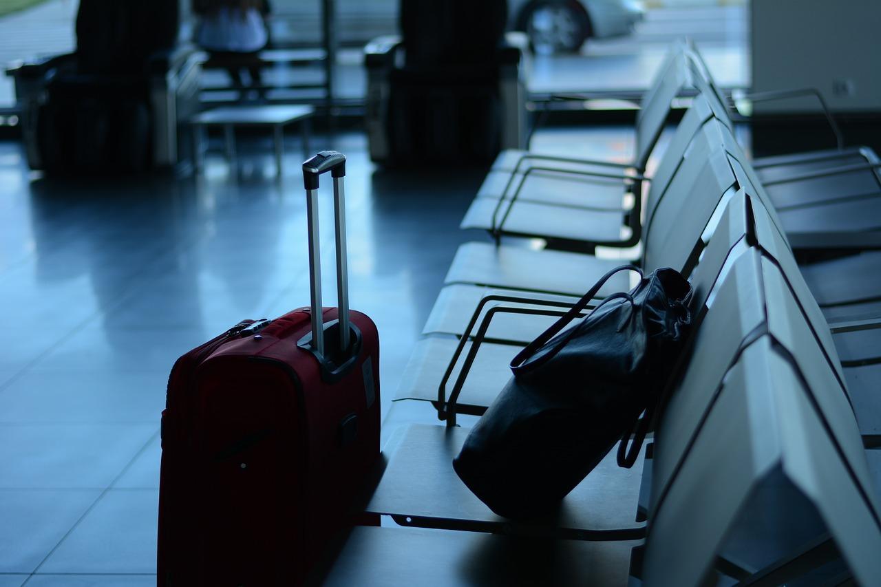 В Минздраве рассказали, кому следует отказаться от путешествий в пандемию