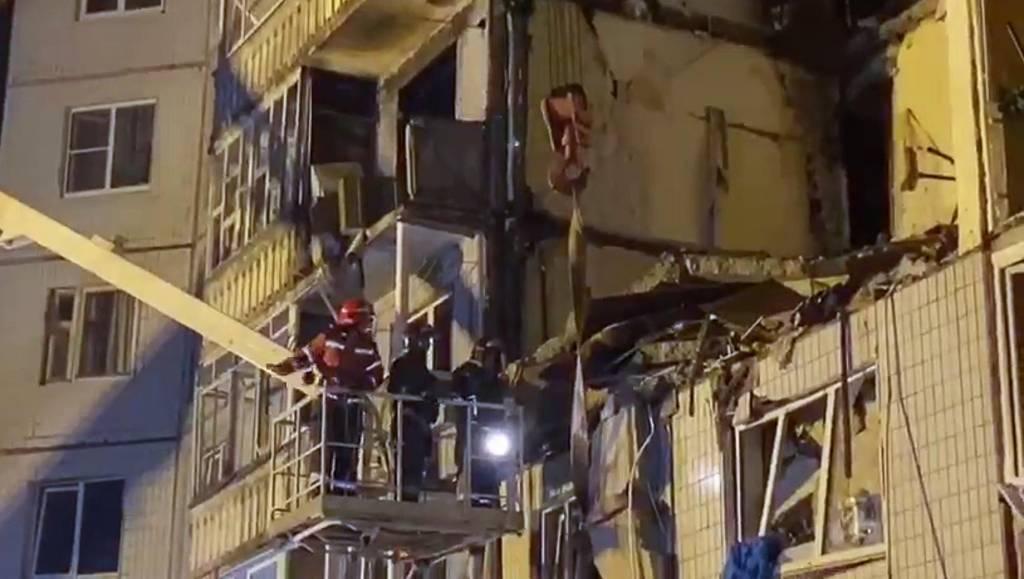 Судьба 38 жильцов подъезда дома в Ярославле, где прогремел взрыв газа, остаётся неизвестной