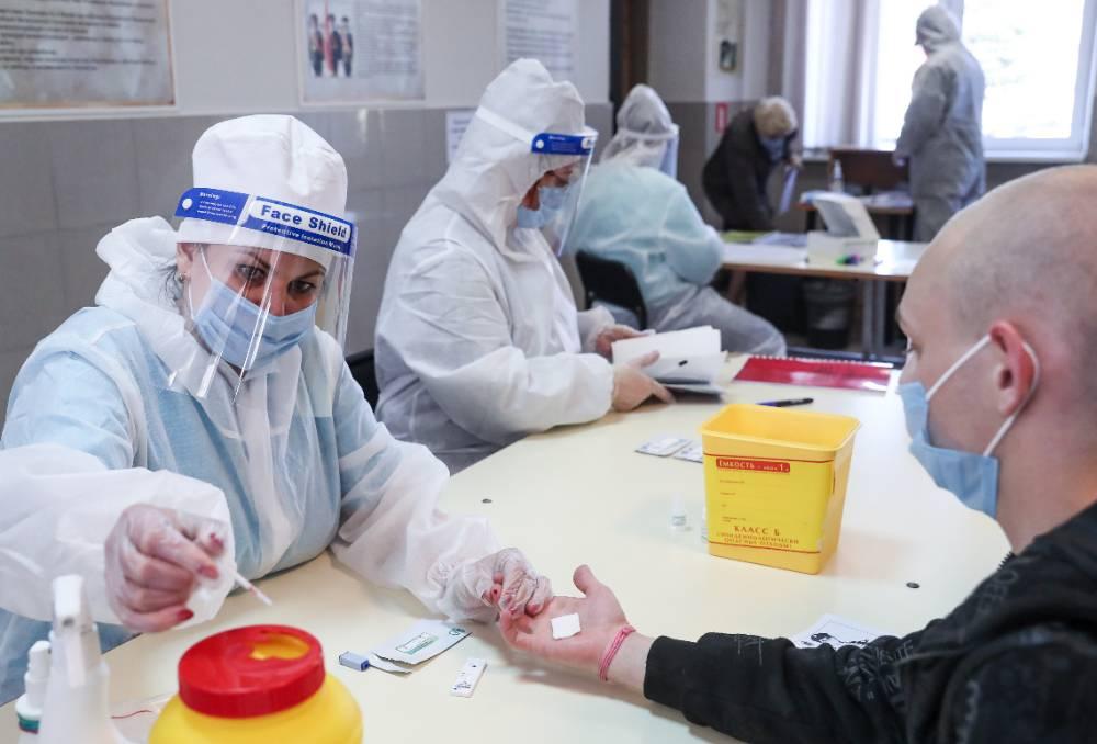 Кабмин выделил свыше 52 миллиардов рублей медикам, работающим с ковидными пациентами