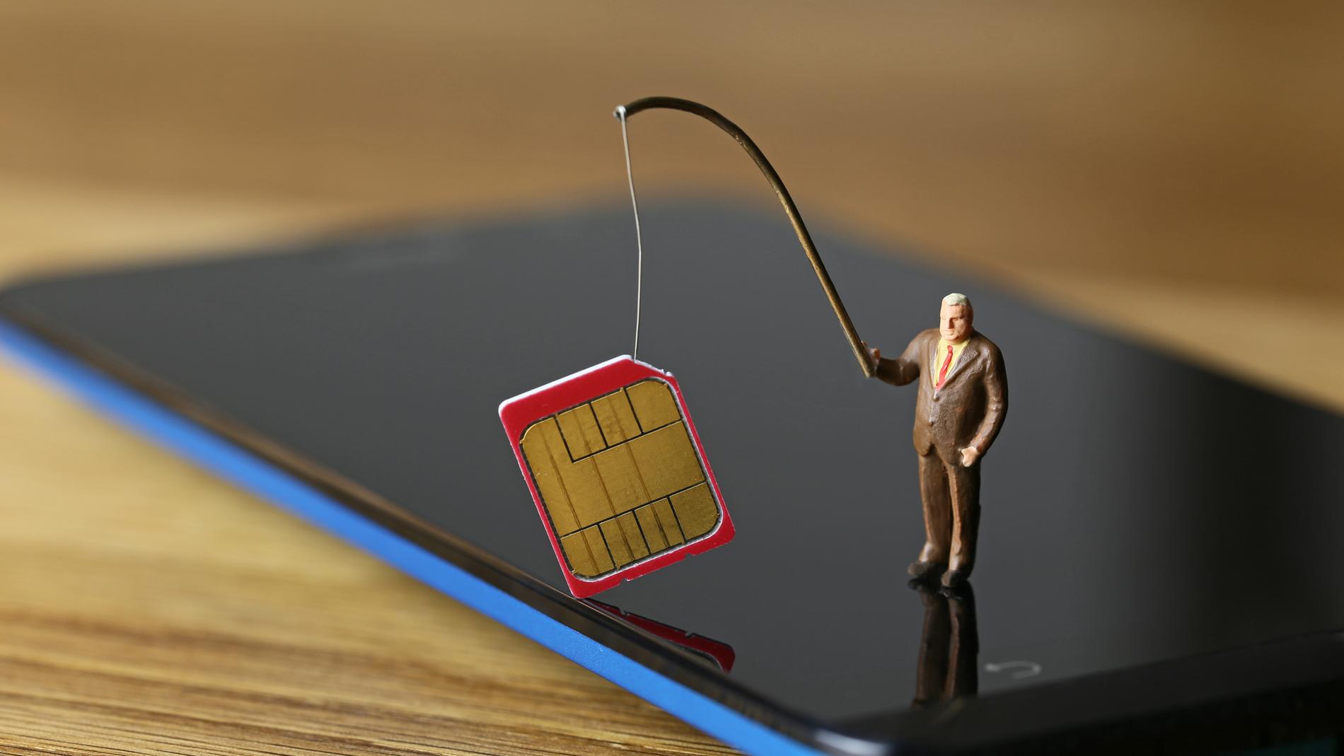 Если оставить сим-карту без присмотра, можно лишиться всех денег в банке, защищены от этого способа взлома единицы