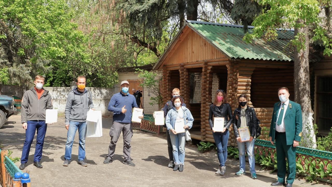 Потушивших лес брянских велосипедистов наградили
