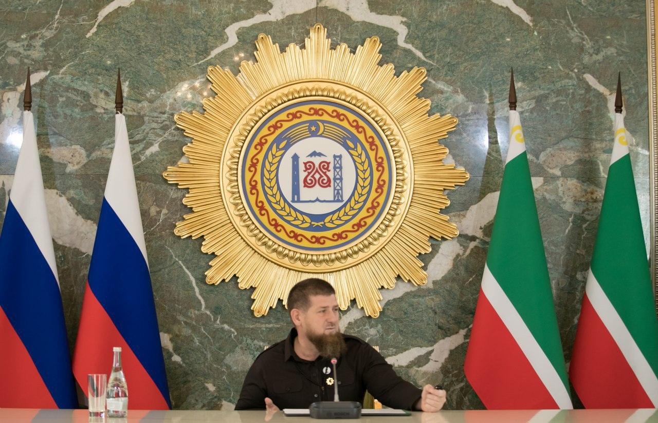 Кадыров опубликовал первые фото после слухов о заражении Covid-19