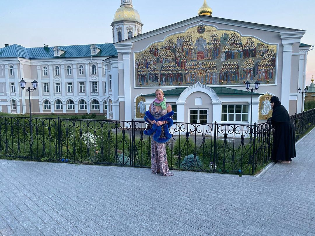 Волочкова обвинила нижегородского губернатора в воровстве